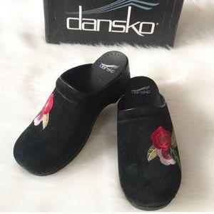 Dansko Sophia Suede Bl Floral embroidered Clog 39